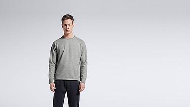 STYX V1.Y0.01 Relaxed Raglan Sweatshirt grey / melange Model shot Alpha Tauri