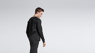 STYX V1.Y0.01 Relaxed Raglan Sweatshirt black Front Alpha Tauri