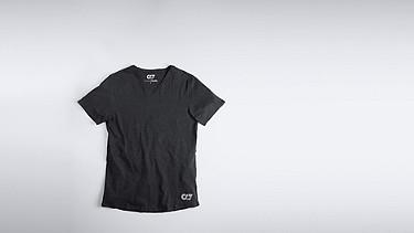 JASP V1.Y0.01 V-neck T-shirt black Back Alpha Tauri