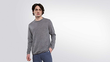 FOSH V1.Y0.02 Relaxed Wool Sweatshirt grey Model shot Alpha Tauri