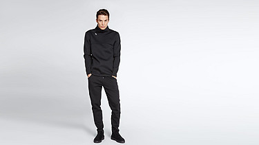 SELG V1.Y0.02 Technical Sweat black Front Main Alpha Tauri