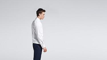 WIDT V1.Y0.02 Oxford-Hemd white Vorne Alpha Tauri