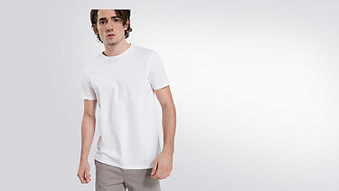 BARU Round-neck Taurex® T-shirt white Model shot Alpha Tauri