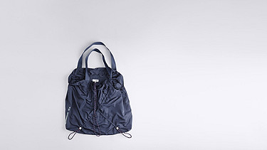 ASTA V1.Y0.02 Lightweight Shopper navy Back Alpha Tauri