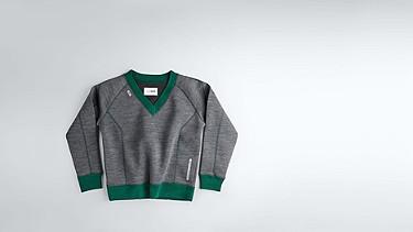 SVEA V1.Y0.02 Boxy V-neck Sweater dark grey / anthracite Back Alpha Tauri