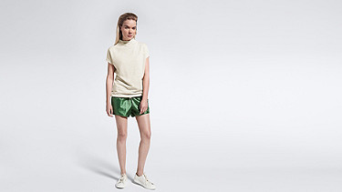 FAMA V1.Y0.02 Crop-sleeved Wool Sweatshirt offwhite Front Main Alpha Tauri