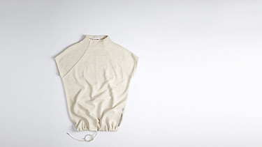 FAMA V1.Y0.02 Crop-sleeved Wool Sweatshirt offwhite Back Alpha Tauri