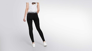 PORT V2.Y0.02 Leggings mit Herobranding black Vorne Alpha Tauri