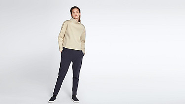SUNA V1.Y0.02 Oversized Sweater offwhite Front Main Alpha Tauri