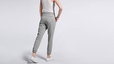PRIS V1.Y0.02 Luxuriöse Sweatpants grey Vorne Alpha Tauri