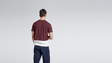 JUZO V1.Y1.01 Colorblock T-shirt bordeaux Front Alpha Tauri