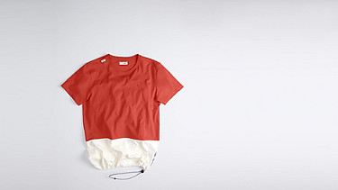 JUZO V1.Y1.01 Colorblock T-shirt red Back Alpha Tauri