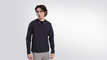 SARO V1.Y1.01 Sweatshirt with Collar Detail navy Model shot Alpha Tauri