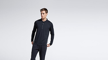 JOOK V1.Y1.01 Long-sleeved Polo navy Model shot Alpha Tauri