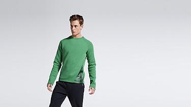 SATS V1.Y1.01 Material-Mix Sweatshirt green Model Foto Alpha Tauri