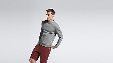 SAVO V1.Y1.01 Sweatshirt with Kangaroo Pocket grey Model shot Alpha Tauri