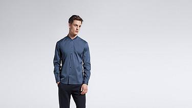 WADE V1.Y1.01 Sportive Shirt blue Model shot Alpha Tauri
