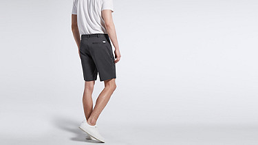 PARE V1.Y1.01 PARE are shorts with an innovative closure. navy Front Alpha Tauri