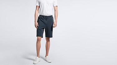PUGH V1.Y1.01 Jersey-Shorts navy Model Foto Alpha Tauri