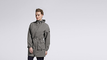 OLJA V1.Y1.01 Lightweight Parka grey Model shot Alpha Tauri
