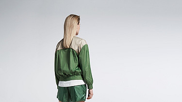 OUMU V1.Y1.01 Sportive Blouson green / other Front Alpha Tauri