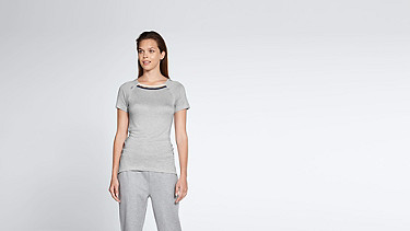 JENA V1.Y1.01 Stripe-detail T-shirt grey / melange Model shot Alpha Tauri