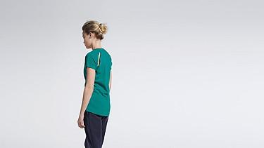 JERA V1.Y1.01 T-Shirt mit Schulterschlitzen green Haupt Vorne Alpha Tauri