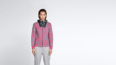 SITA V2.Y1.01 Cold Dye Sweatjacket grey / pink Model shot Alpha Tauri