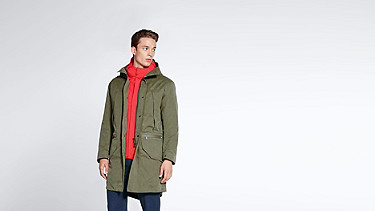 KORE V4.Y1.02 Two-piece Insulated Primaloft® Parka olive Model shot Alpha Tauri