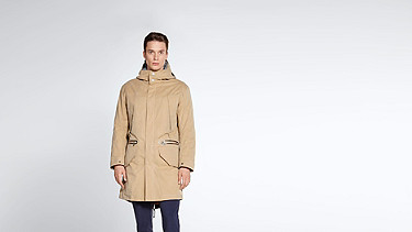 KORE V4.Y1.02 Two-piece Insulated Parka beige - sand Model shot Alpha Tauri