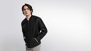 LION V1.Y1.02 Leather Shearling Jacket black Model shot Alpha Tauri