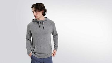 FORO V1.Y1.02 Hooded Woollen Sweater grey / melange Model shot Alpha Tauri