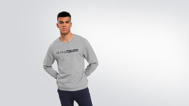 SALT V1.Y1.02 Logo Sweatshirt grey / melange Model Foto Alpha Tauri