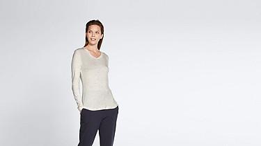 JYNN V1.Y1.02 Long-Sleeved T-shirt 33 offwhite melange Model shot Alpha Tauri