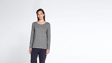 JOKA V2.Y1.02 Roll-hem T-shirt grey / melange Model shot Alpha Tauri