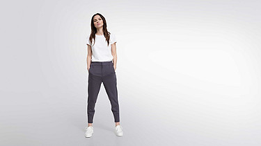 PYRA V2.Y1.02 Luxury Jogger dark grey Front Main Alpha Tauri