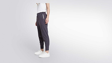 PYRA V2.Y1.02 Luxury Jogger dark grey Front Alpha Tauri
