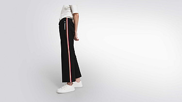POLA V1.Y1.02 Wide-leg Tracksuit Pants navy Model shot Alpha Tauri