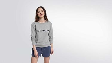 SADI V1.Y1.02 Logo Sweatshirt grey / melange Model Foto Alpha Tauri