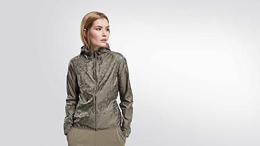 OCHI V1.Y1.02 Packable Hooded Jacket camouflage Model shot Alpha Tauri