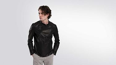 LOKI V1.Y2.01 Biker Leather Jacket black Model shot Alpha Tauri