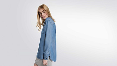 WIRA V1.Y2.01 Long denim tunic blue Model shot Alpha Tauri