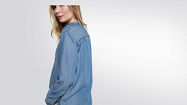 WIRA V1.Y2.01 Long denim tunic blue Front Alpha Tauri