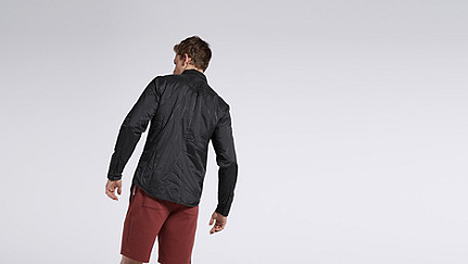 OROC V1.Y0.01 Ultralight Quilted Jacket black Front Alpha Tauri