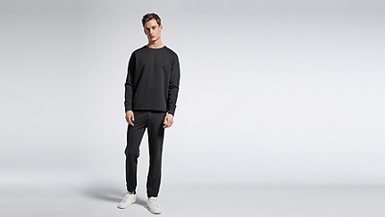 STYX V1.Y0.01 Relaxed Raglan Sweatshirt black Front Main Alpha Tauri