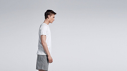 JAXA V1.Y0.01 Raglan-T-Shirt white Haupt Vorne Alpha Tauri