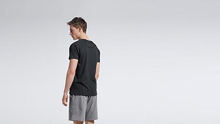 JAXA V1.Y0.01 Raglan-T-Shirt black Vorne Alpha Tauri