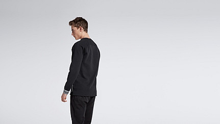 STOE V1.Y0.02 Herobranding Sweatshirt black Vorne Alpha Tauri