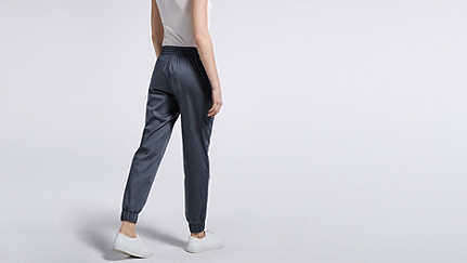 PYLA V1.Y0.02 Woven Joggers navy Front Alpha Tauri