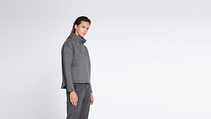 SUNA V1.Y0.02 Oversized Sweater dark grey / anthracite Front Alpha Tauri